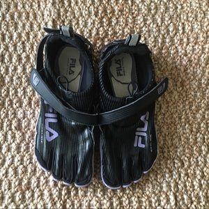 FILA Women's Skele-Toes Slip-On Sneakers Size 8